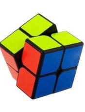 Kostka Rubika 2×2 – rozwijająca zabawka dla dziecka