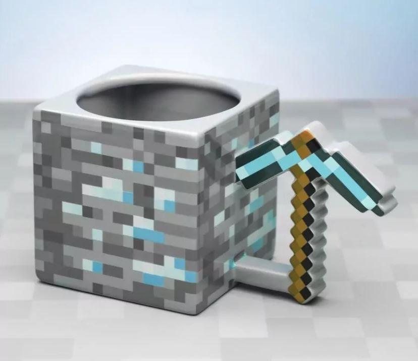 Sukces gry Minecraft okupiony masą gadżetów
